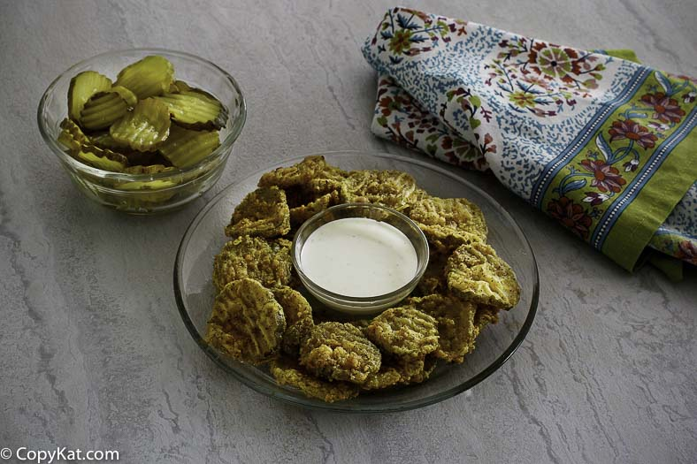 how-to-reheat- fried-pickles